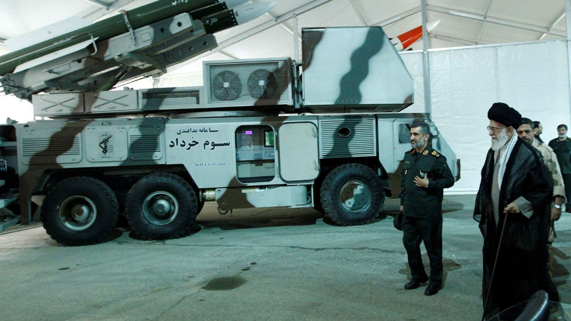 Иран е получил предупреждение от САЩ за планиран удар, двете страни са на ръба на войната