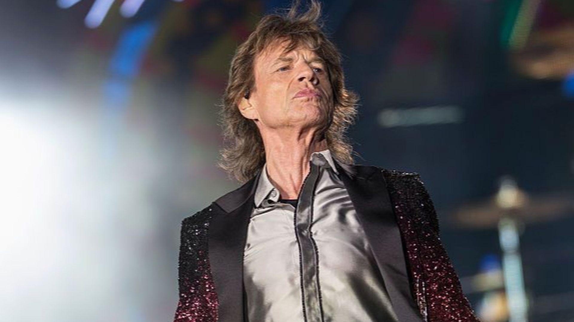 Rolling Stones пуснаха смятано за изгубено парче с Джими Пейдж (видео)