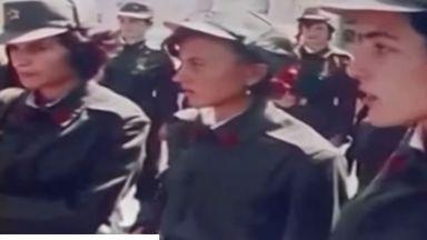 """Жени войници от Албания маршируват под звуците на """"Тих бял Дунав"""" (видео)"""