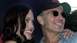 Анджелина Джоли носила кръв от бившия си и  други щури звездни прояви