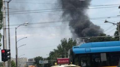 Пожар зад Сточна гара стресна столичани (снимки)