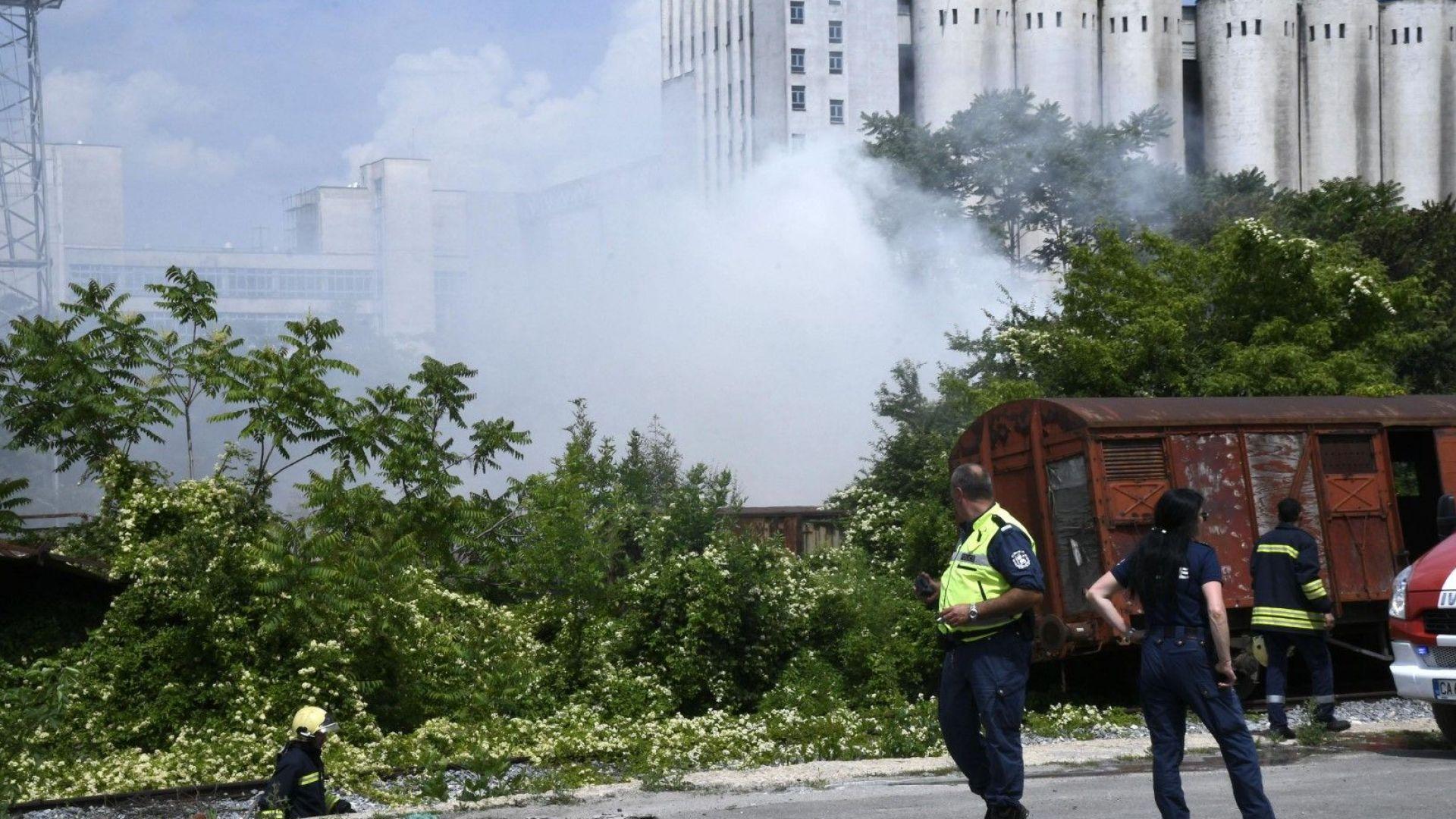 Дървени траверси са горели в района на Сточна гара в София