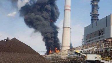 """Голям пожар избухна в ТЕЦ """"Марица Изток 2"""" (снимки)"""