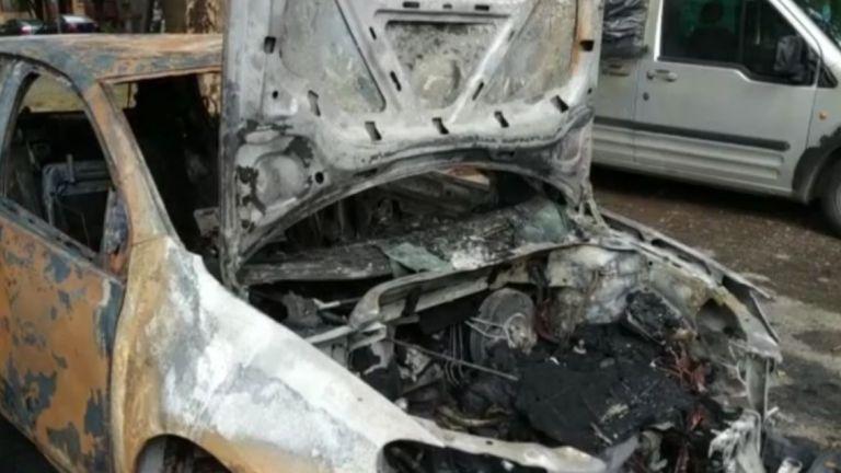 Четири автомобила са изгорели в Русе
