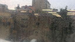 """Ремонтираната софийска улица """"Солунска"""" под вода след пороя"""