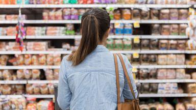 Българинът дава една трета от парите си за храна