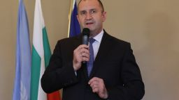 Радев пред българи в Женева: Трябва непримиримост към ниското качество
