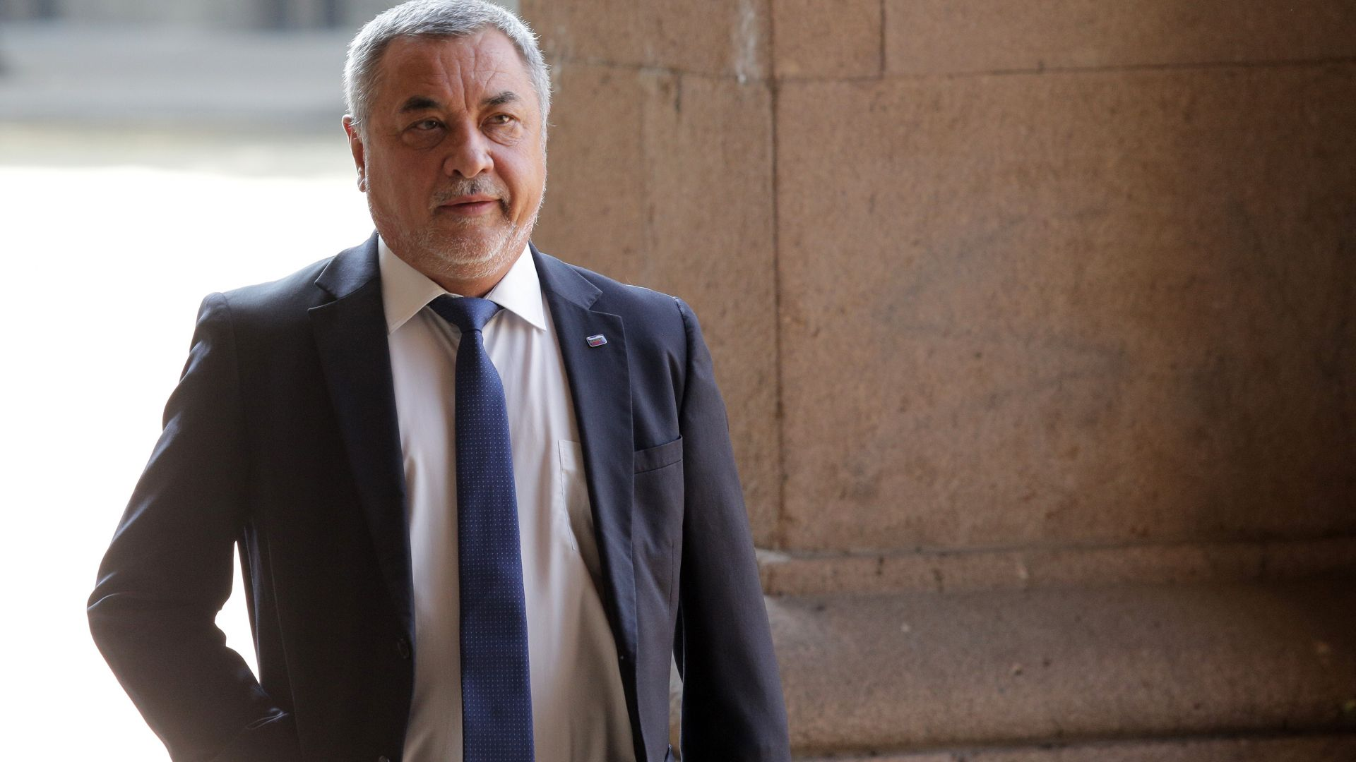 Валери Симеонов и депутати на среща с българите от Западните покрайнини