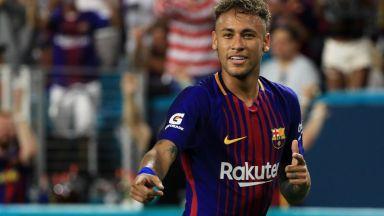 Неймар намалява заплатата и се завръща в Барселона