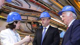Радев в ЦЕРН: Настоя в България да има умален вариант на адронния колайдер (снимки)