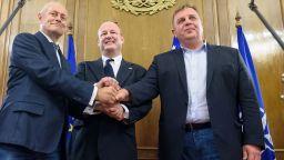 Паси и Каракачанов изпратиха тържествено посланик Рубин
