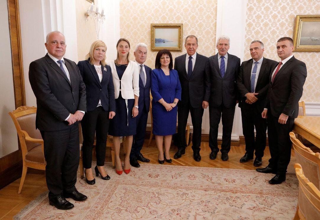 """В делегацията участват депутати от всички партии, сред които лидерът на """"Атака"""" Волен Сидеров и Антон Кутев от БСП"""