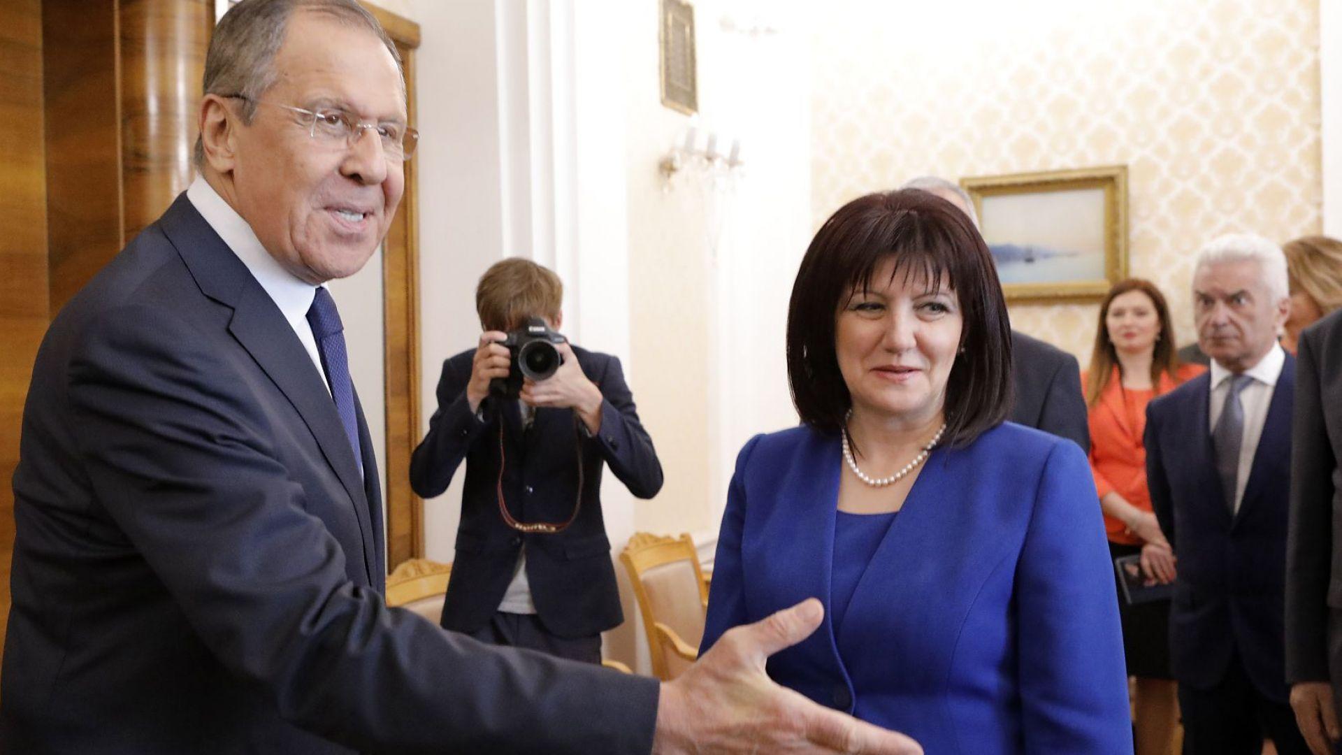Караянчева след среща с Лавров: Самолетите Су-25 ще бъдат ремонтирани в България