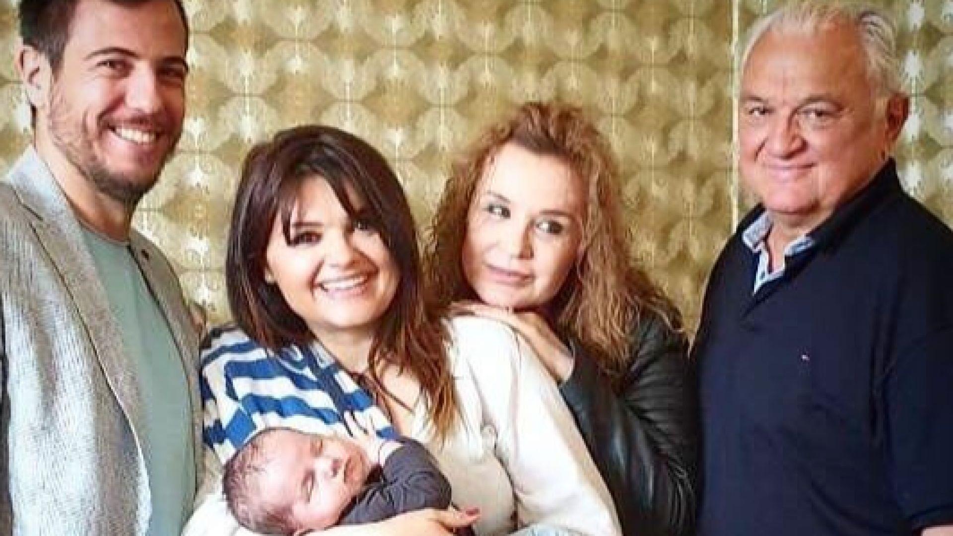 Баба, дядо, дъщеря и внуче: Празничният разкош на Пипи, Аня, Сашо и Сашко