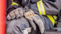 Пожар избухна в цех за бои и химикали в Габрово