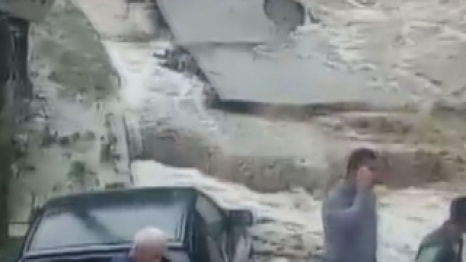 Бедствие в Котел след пороен дъжд. Реката, която минава през