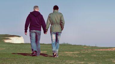 Абортите и еднополовите бракове в Северна Ирландия вече са законни