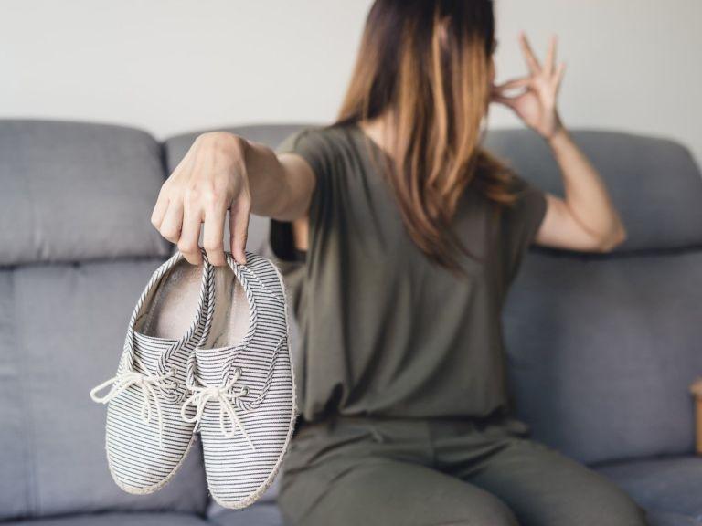 Как да се отървем от лошата миризма на обувките през лятото