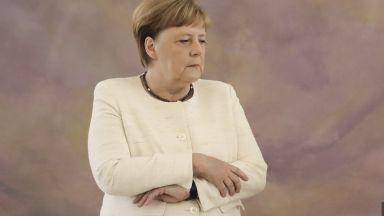 Здравето на канцлера Меркел е личен въпрос, смятат германците