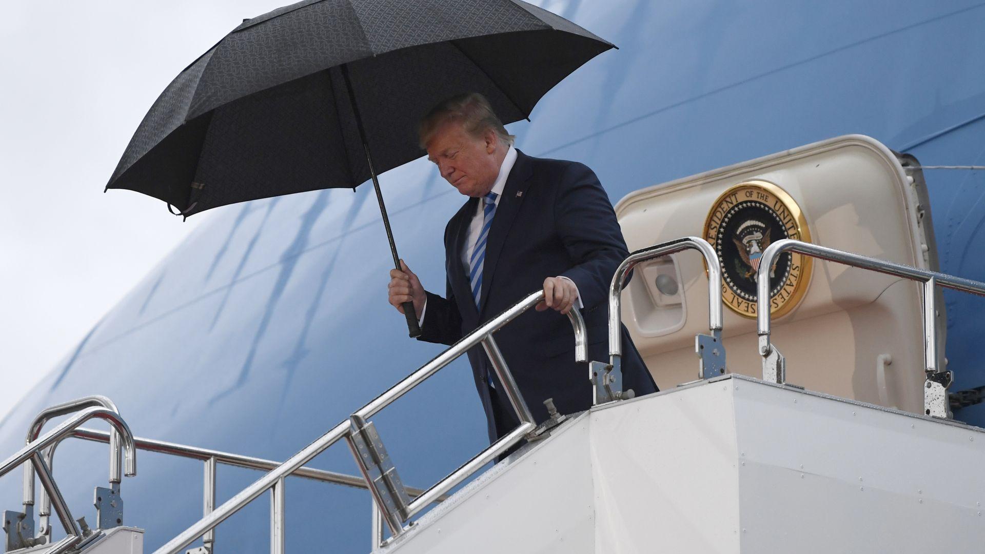 Тръмп пристигна в Япония за срещата на Г-20 (снимки)