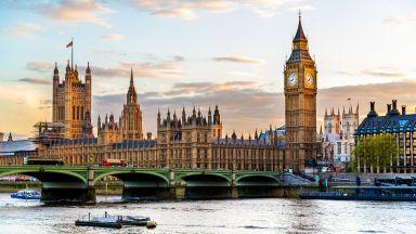 Откриха следи от кокаин на 4 места в британския парламент
