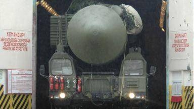 Макрон и Тръмп се обявиха за стратегически диалог с Русия и нов договор за ракетите