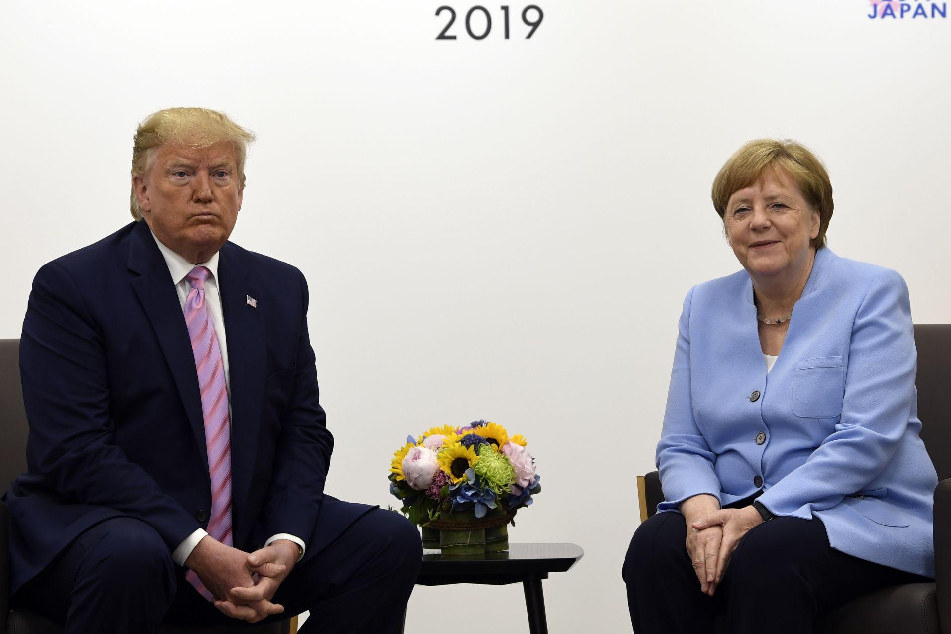 оналд Тръмп и Ангела Меркел по време на срещата на върха Г-20, която се провежда в Осака, Япония.