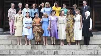 Гощавка с шарани и разходка с рикши за първите дами от Г-20