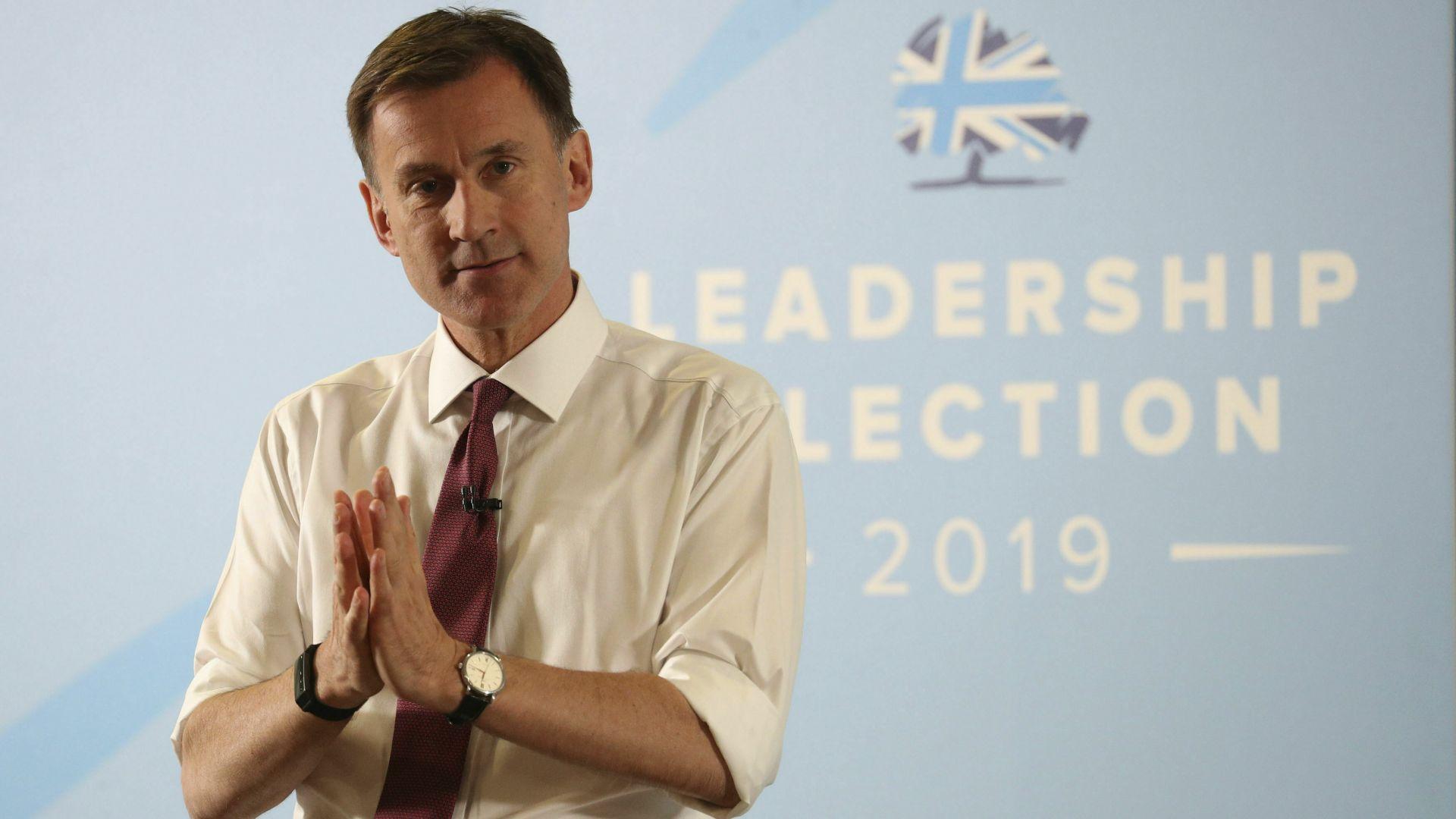 Ако стане премиер, Хънт ще остави британския посланик в САЩ