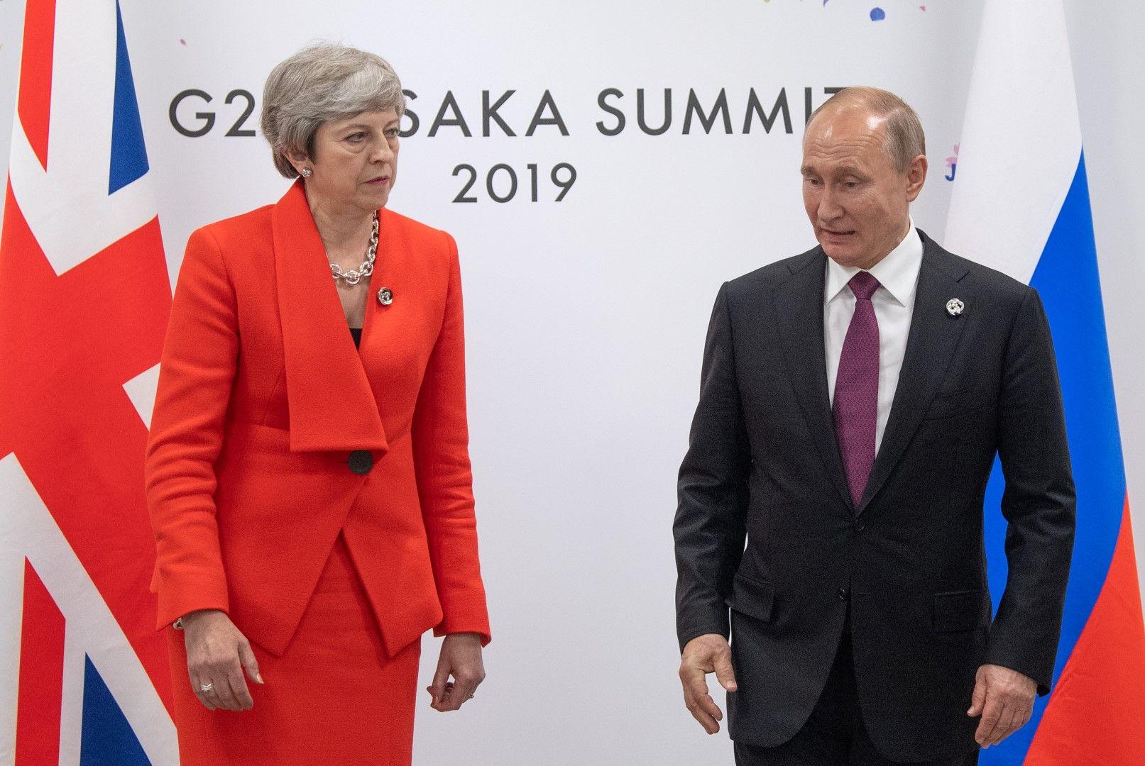Тереза Мей на хладна среща с Владимир Путин по време на форума на Г-20 в Осака
