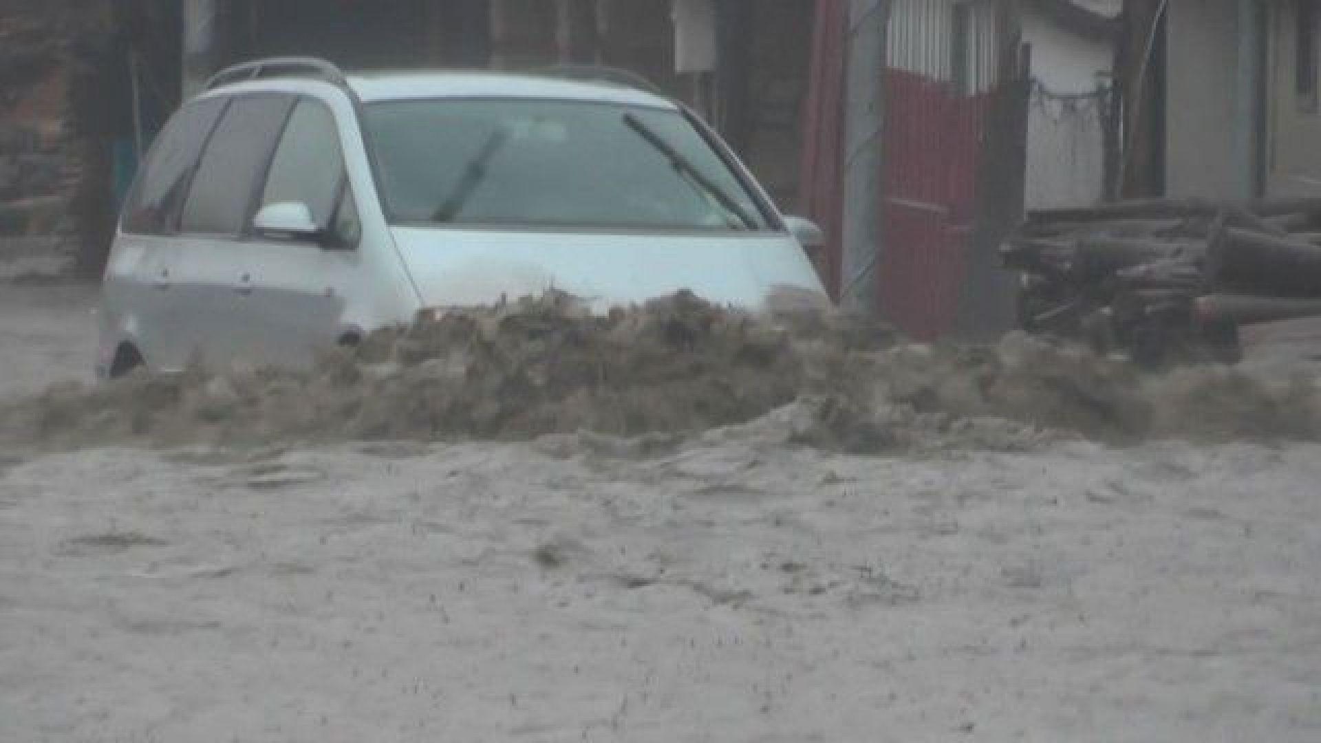 Котелчани след бедствието: Направете дига на реката, за да няма такива наводнения