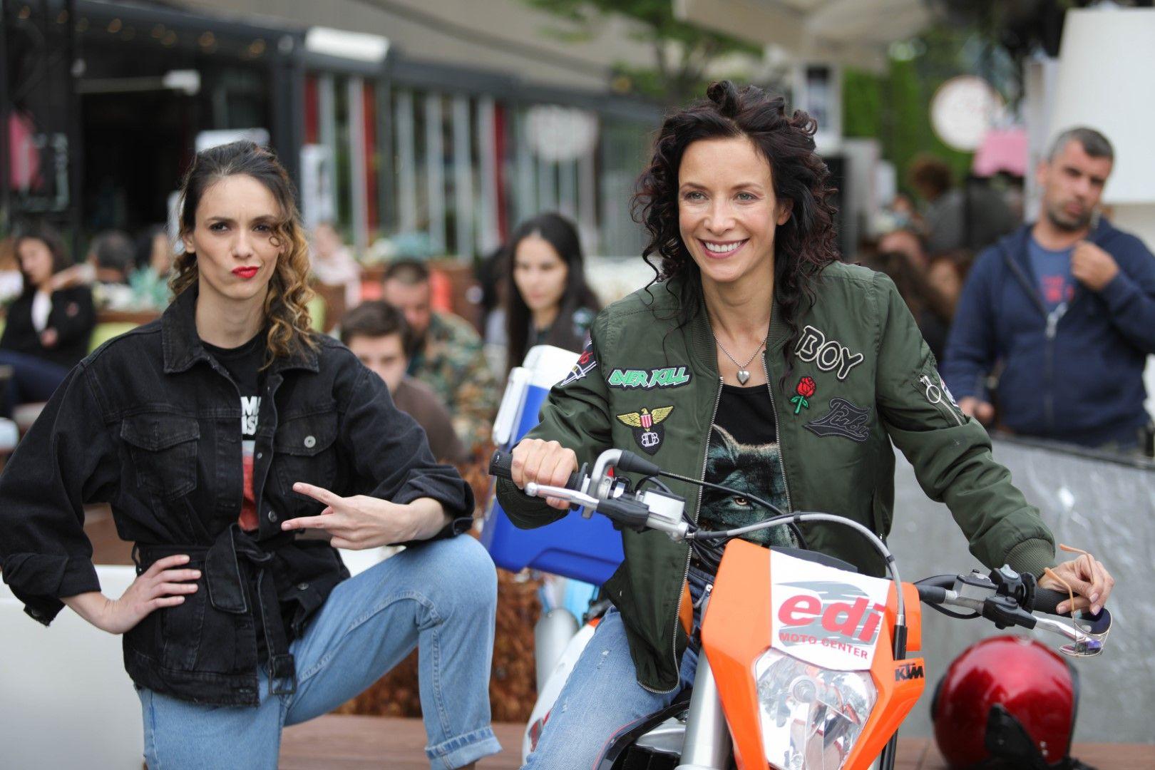 """Яна и Луиза Григорова на снимачната площадка на """"Диви и щастливи"""""""
