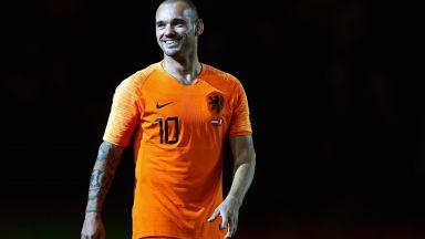 Холандска легенда: Можех да съм като Меси и Роналдо, но не исках