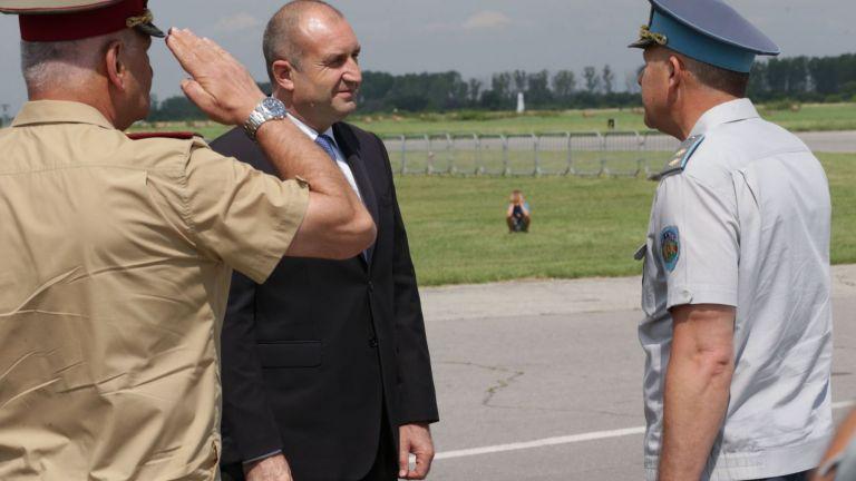 Румен Радев наложи вето върху закона за ратифициране на договорите за F-16