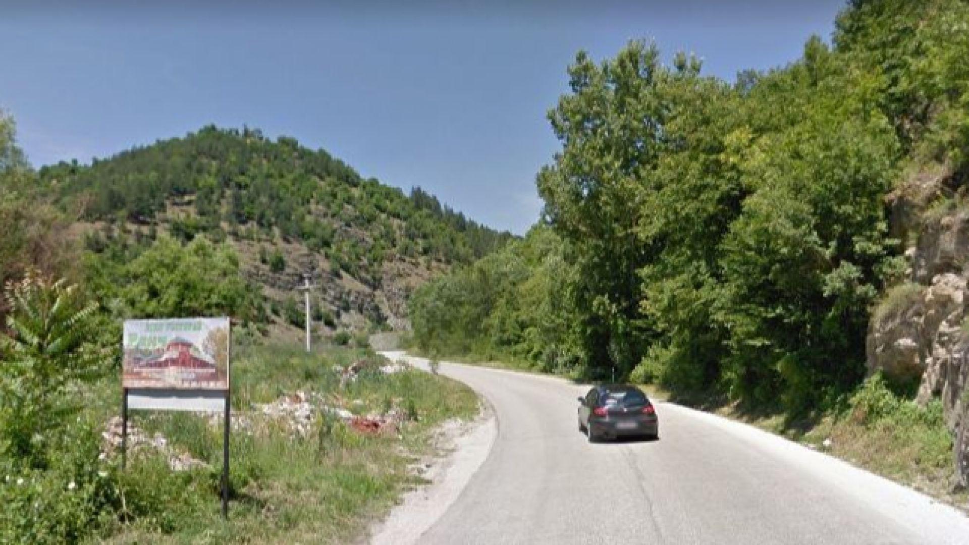 Двама ранени при катастрофата, затворила пътя от Северна Македония към България