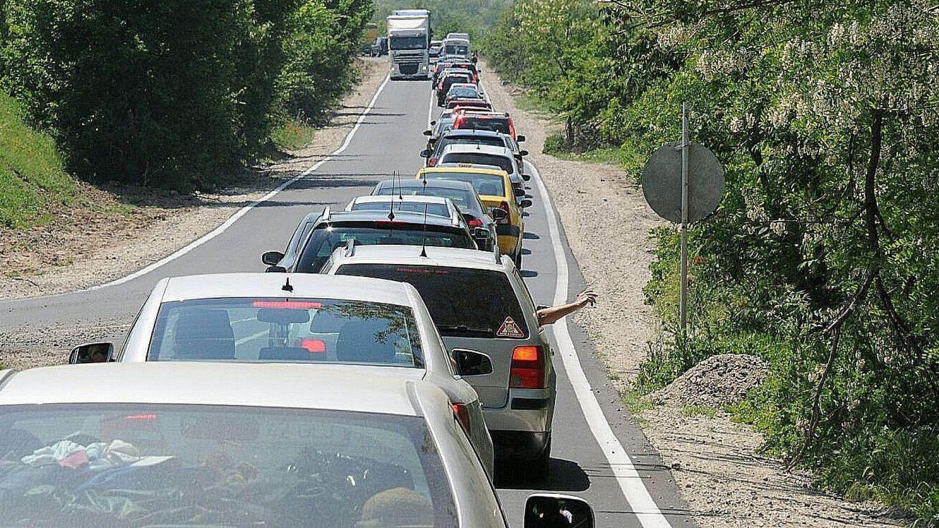 Полицията съветва прибиращите се към София да ползват Подбалканския път