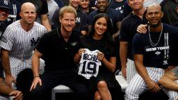 Меган и Хари обявиха датата на кръщенето на Арчи, появиха се на бейзболен мач