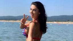 По бански – Биляна Йотовска изкушава на плажа