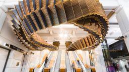 Виждали ли сте  дървени ескалатори, окачени във въздуха?