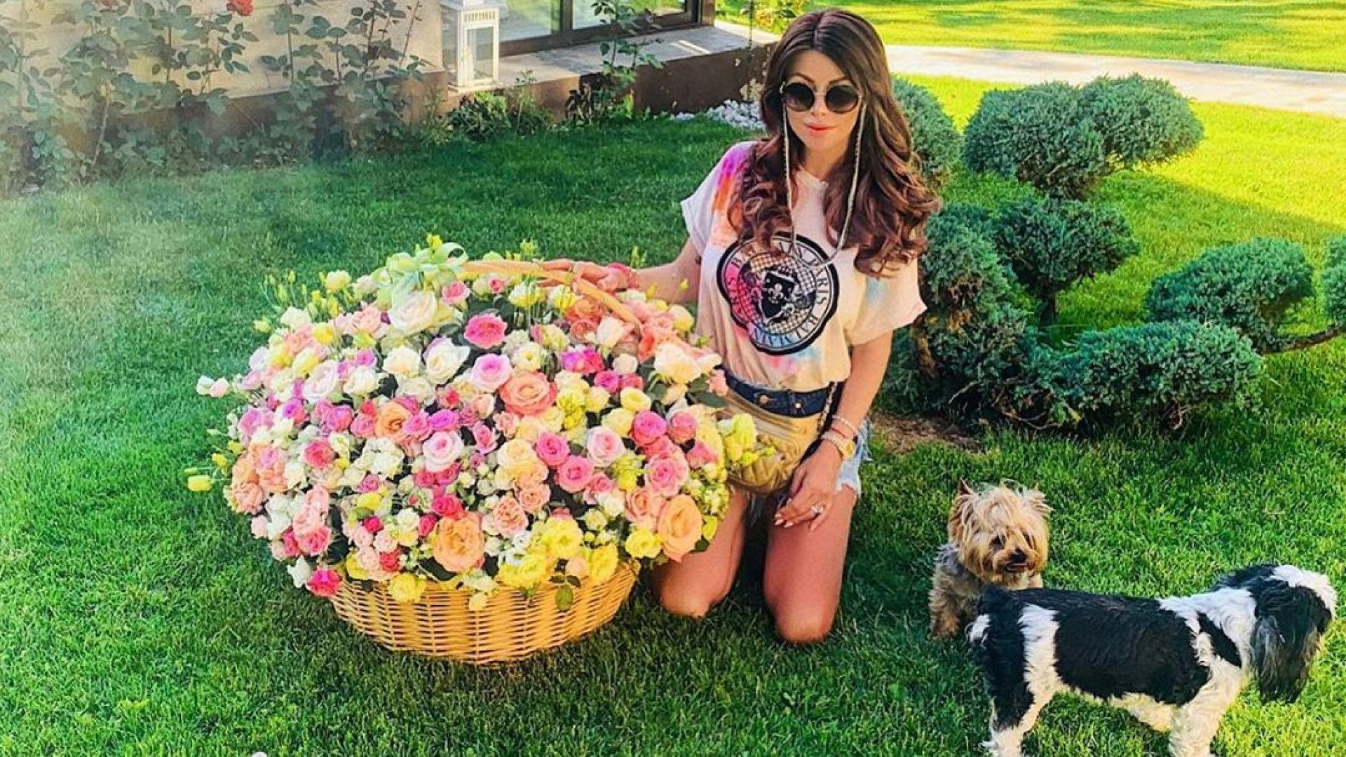 Светлана Гущерова с 300 рози и торта за първата годишнина