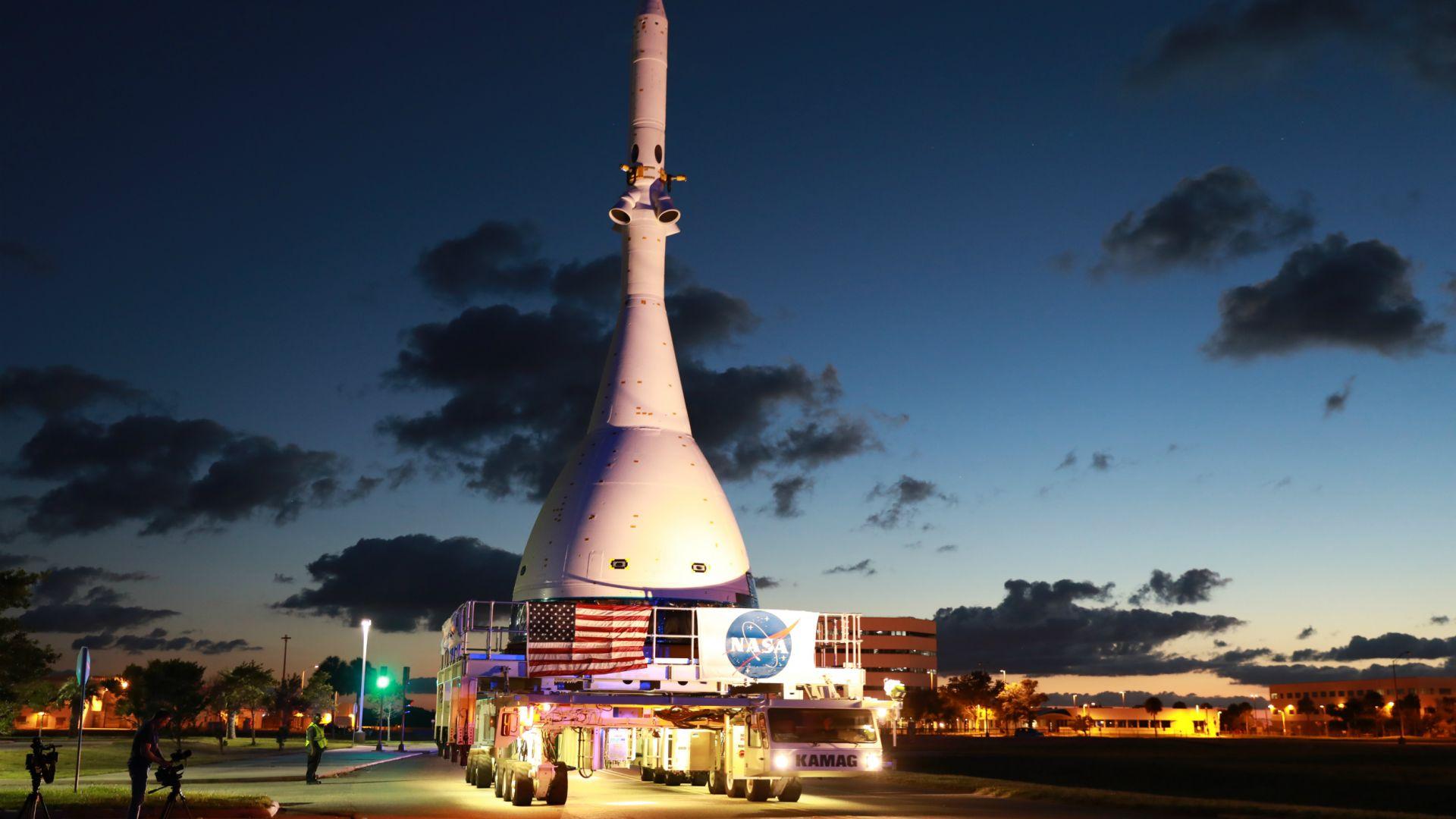 Тестваха аварийната система на лунния кораб на НАСА