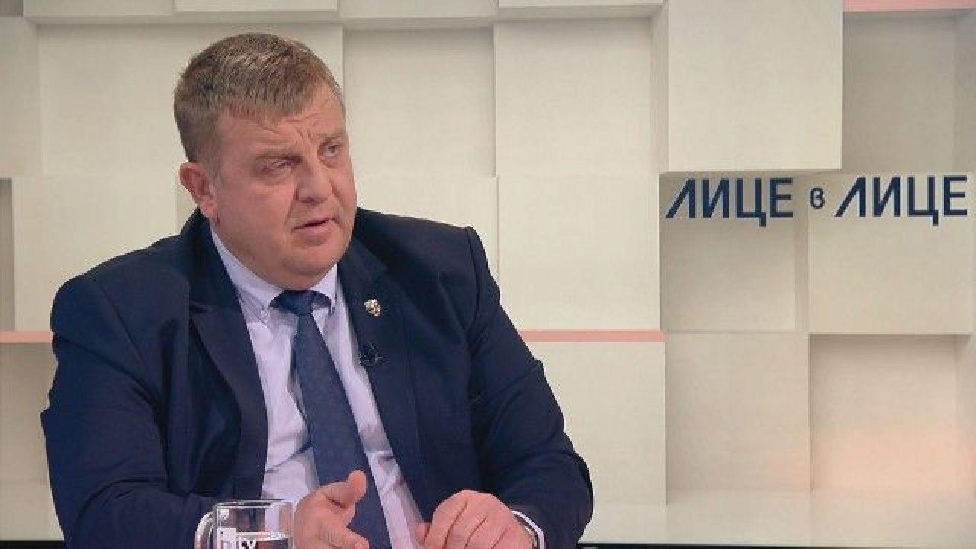 Каракачанов: Не съм казал, че президентът Радев лъже за самолетите