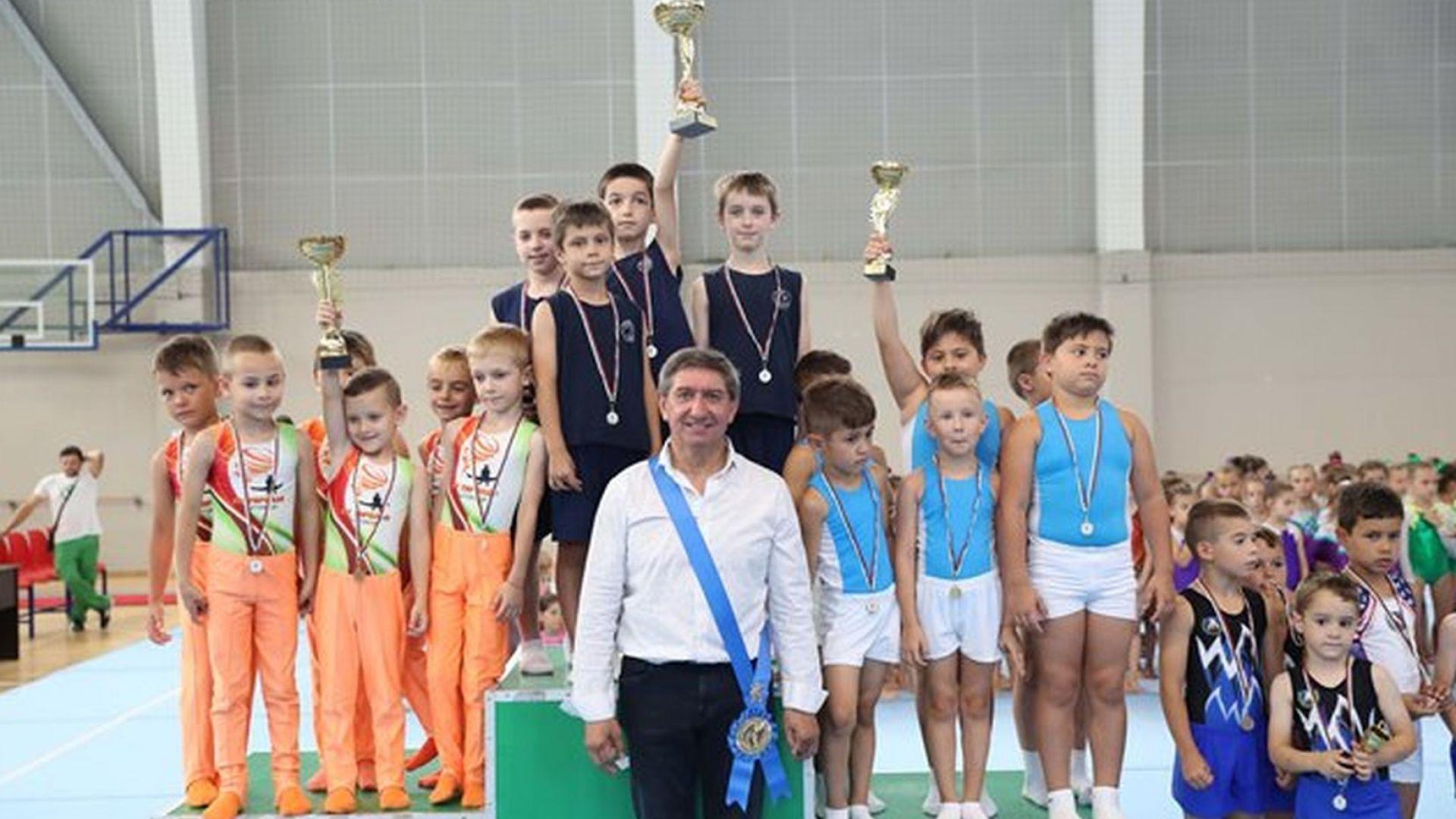 """""""Венец на победителя"""" за олимпийския шампион Стоян Делчев"""