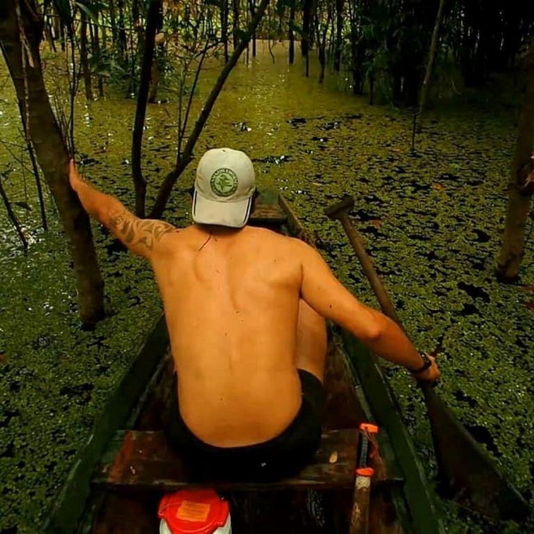 """Какво се случва в """"В прегръдката на Амазония"""""""