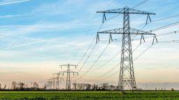 Литва спира да купува ток от Беларус след пускането на БелАЕЦ