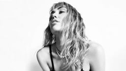 """Майли Сайръс с ново видео към сингъла """"Mother's Daugheter"""""""