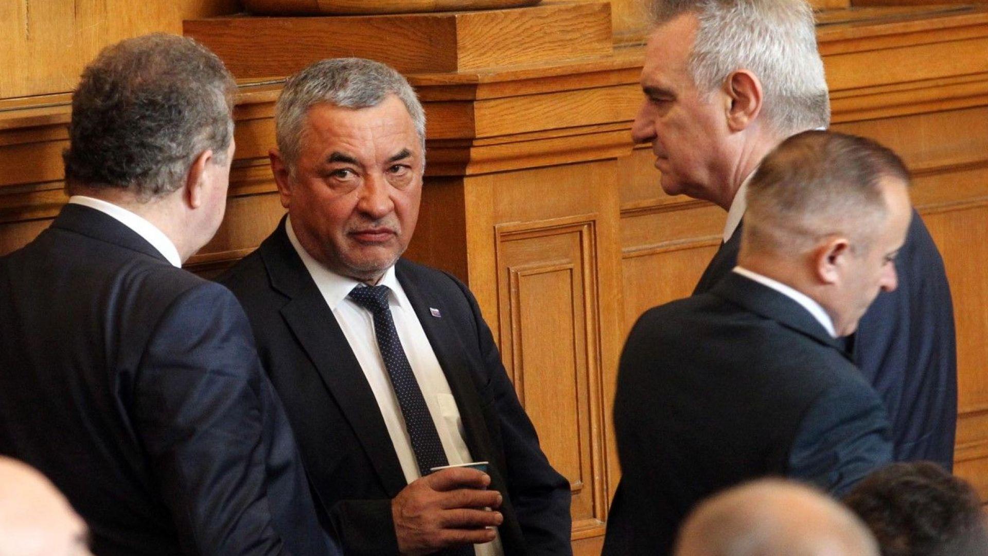 Симеонов: Освобождаването на Сидеров е решение на парламентарната група