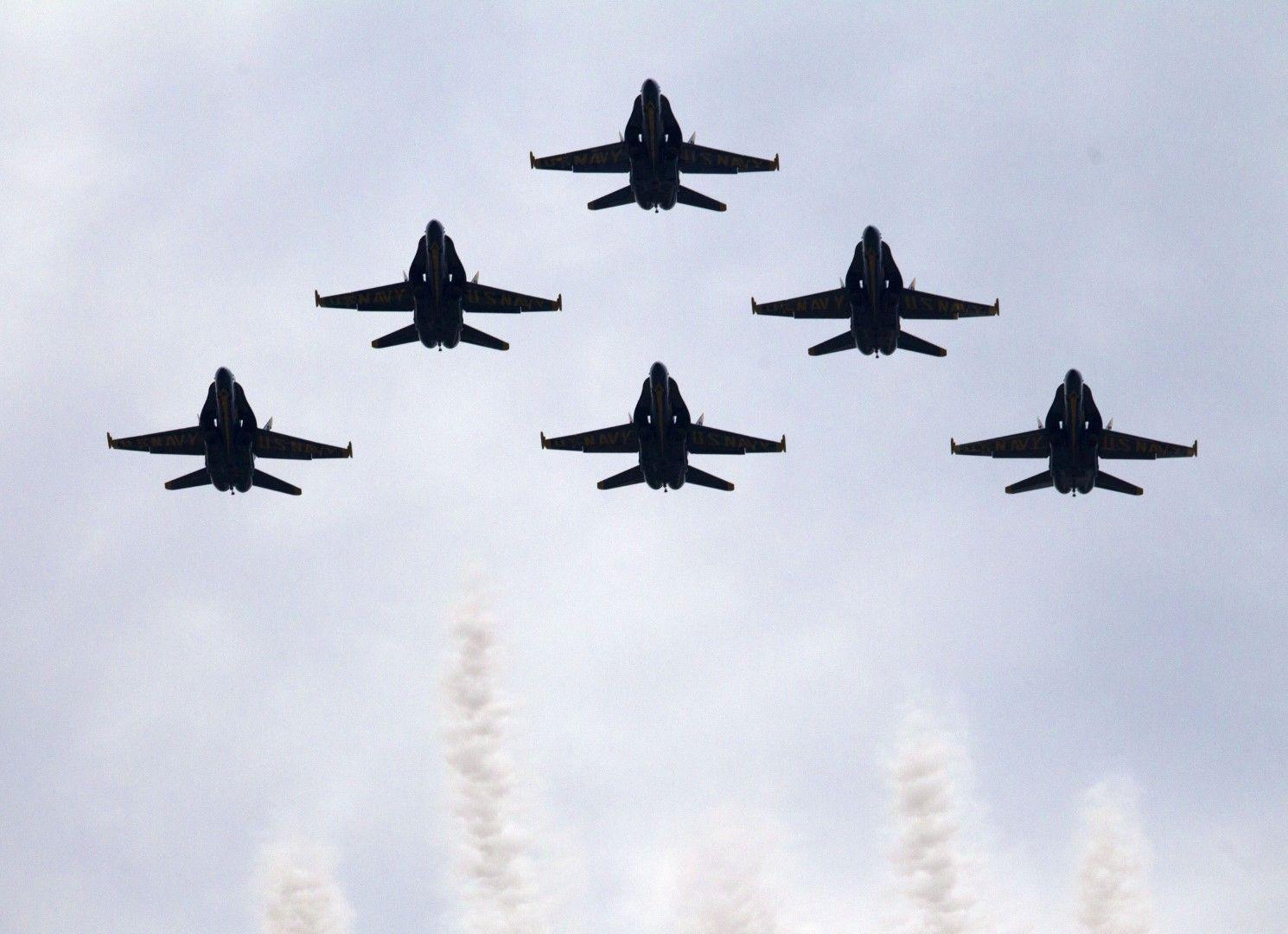 Американски бойни самолети по време на парада