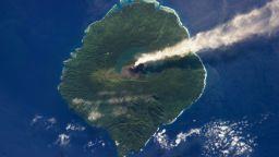 """Сателитна техника """"забелязва"""" предстоящо изригване на вулкан"""