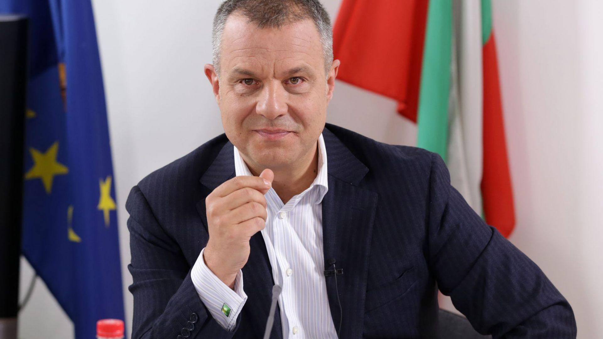 Емил Кошлуков пред СЕМ: Има серия нарушения на Горан Благоев, дори договор с жена му
